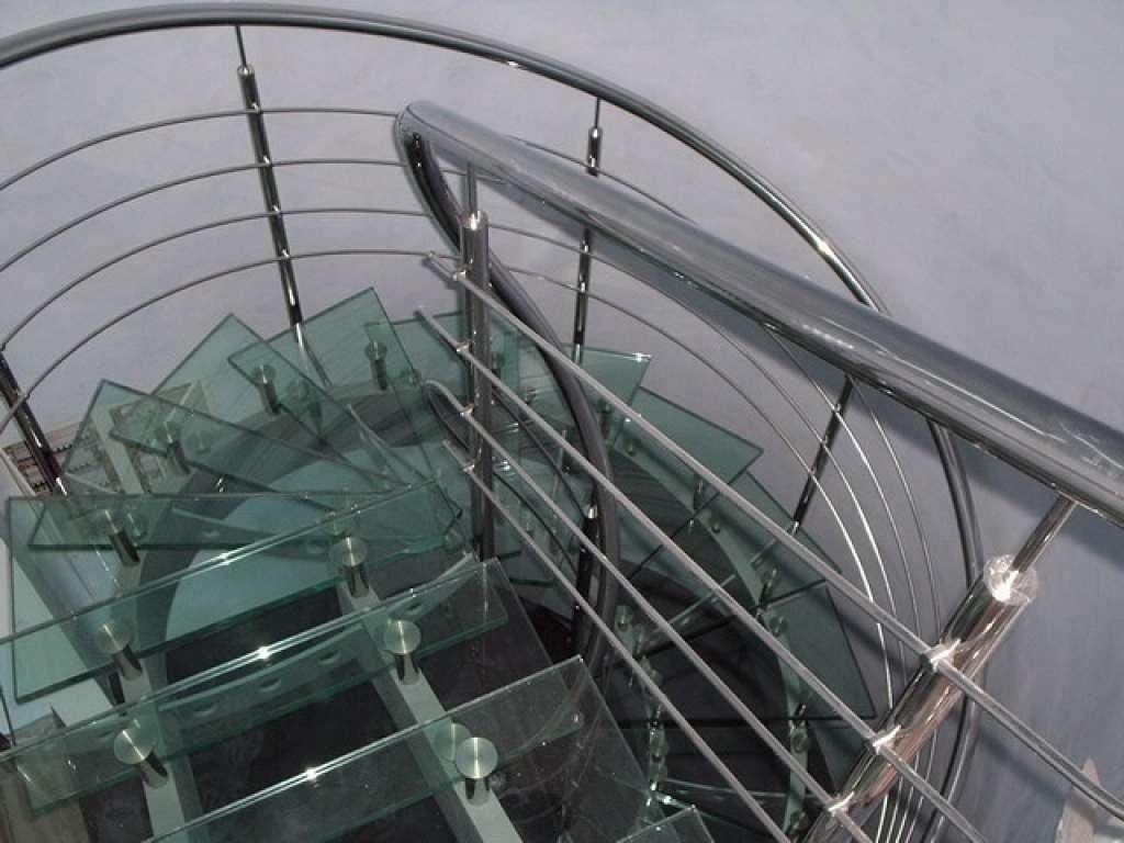 Пример стеклянной лестницы от Аспект-Плюс