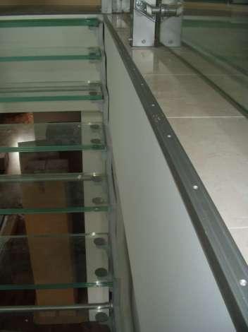 Лестница из стекла 2
