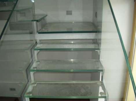 Лестница из стекла 0