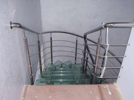 Стеклянная лестница 4