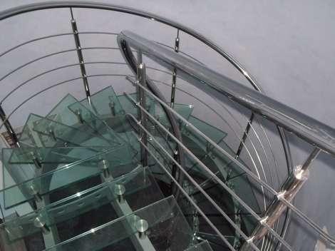 Стеклянная лестница 0