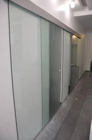 Раздвижные двери из стекла 0