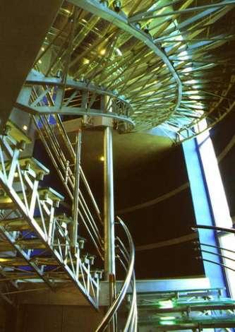 Лестница из стекла 16