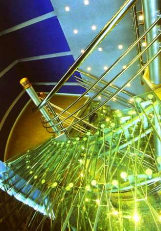 Лестница из стекла 18