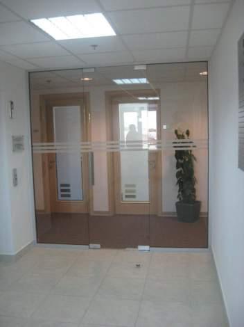 Стеклянная дверь 0