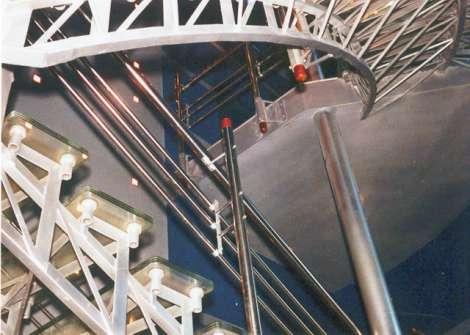 Лестница из стекла 11