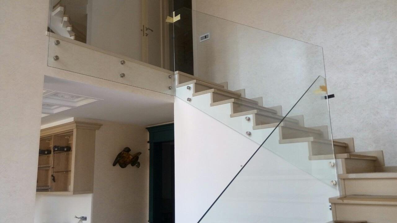 Пример стеклянных ограждений от компании Аспект-Плюс